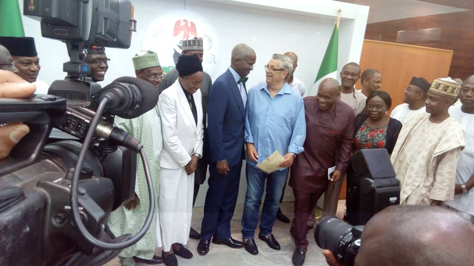 JUST IN – FG hands over house keys to Westerhof 25 years after
