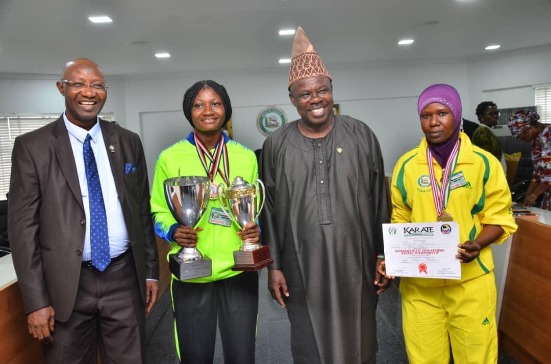 Badminton: Adesokan and Dauda gets N10m from Governor Amosun