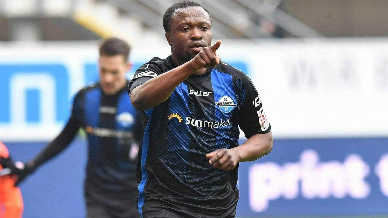Terkpetey make Ghanaians para for Coach Appiah