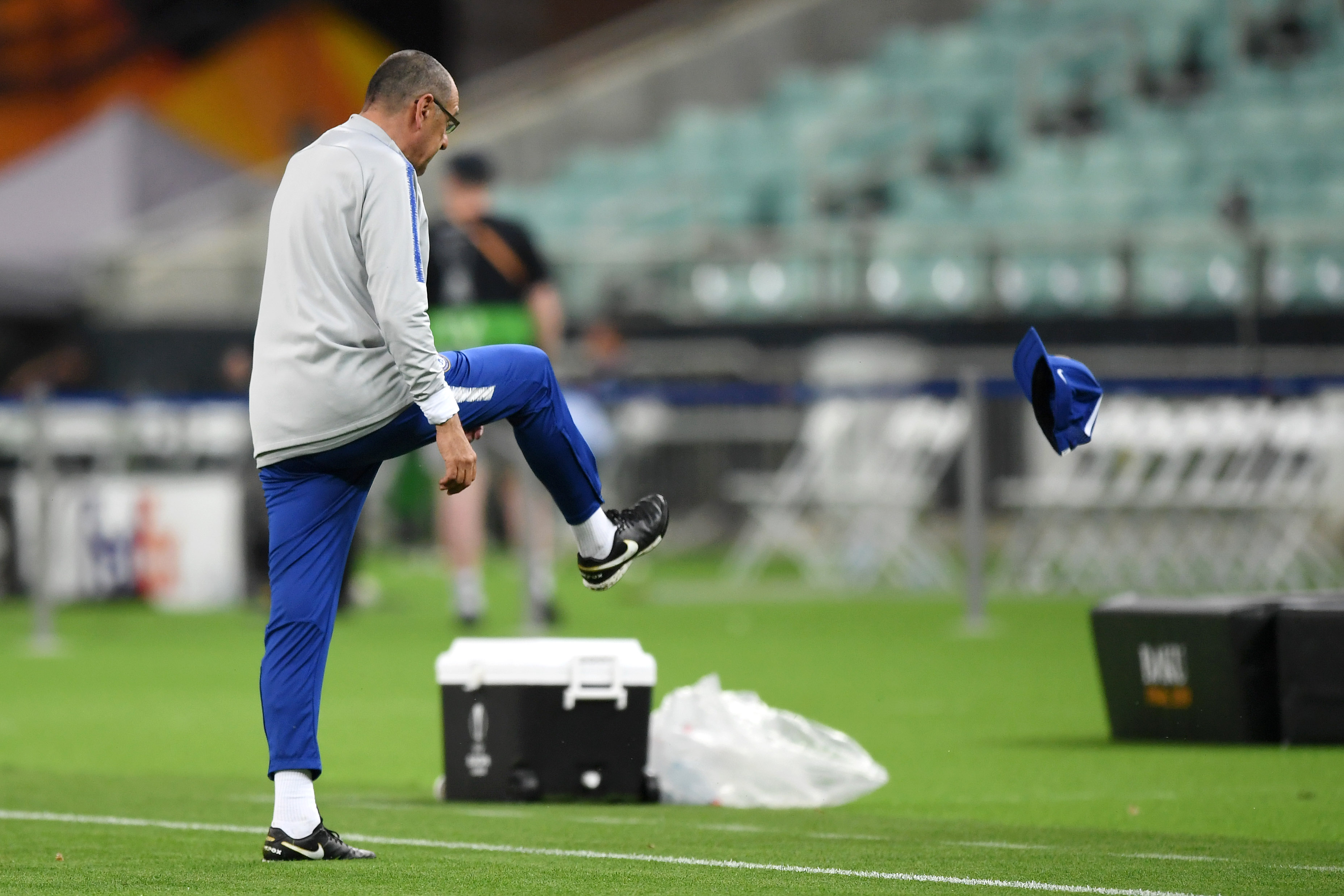 Should Sarri Stay At Chelsea If He Wins The Europa League?