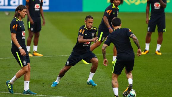 Neymar shows skills in Futmesa