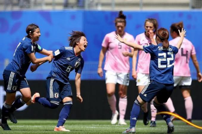 Scotland get big hill to climb as Japan clean stadium after game
