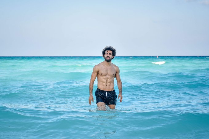 Mo Salah relaxes as EGYPT players toughen up in closed training camp