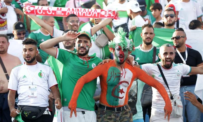 Algeria don fly plenty supporters enter Egypt for Nigeria Kasala