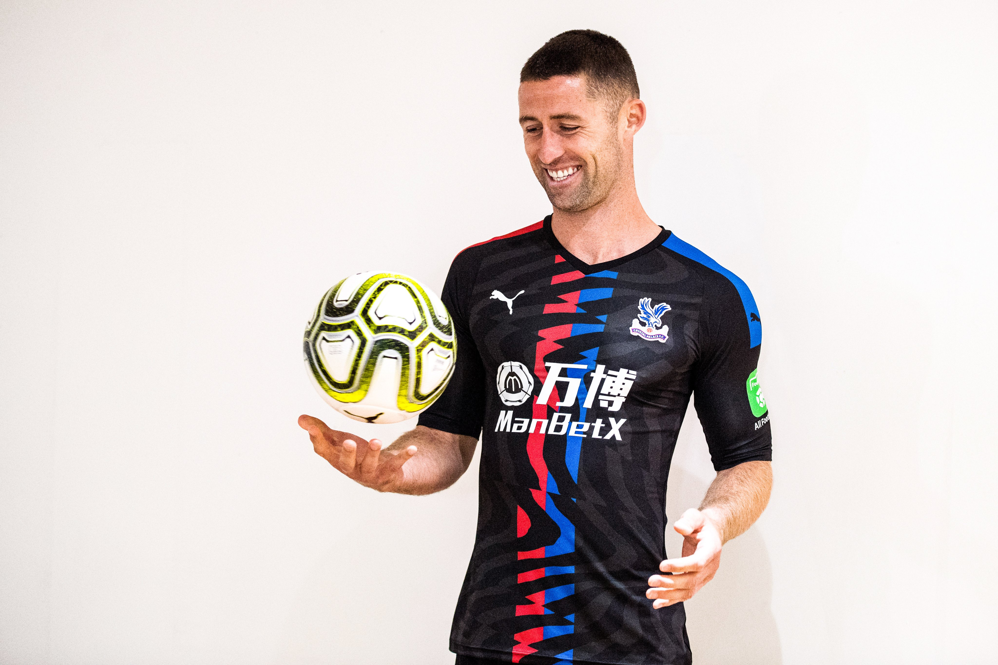 Chelsea legend Gary Cahill joins Crystal Palace