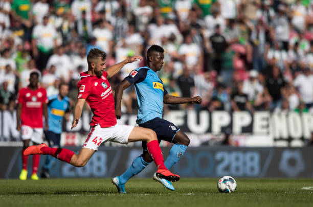 Liverpool loanee Awoniyi struggles on home debut for Mainz 05