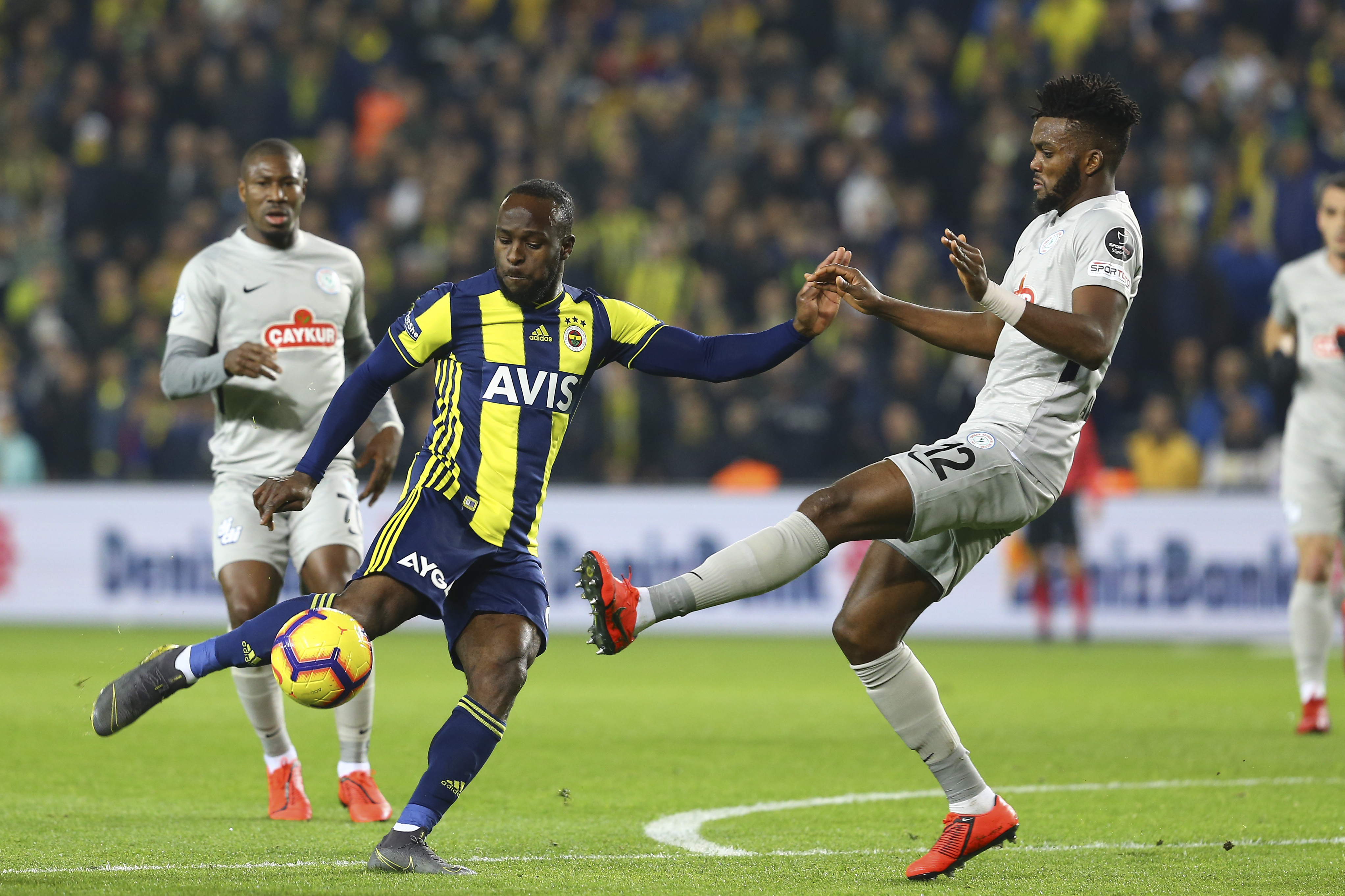 Fenerbahce 'unlikely' to sign Victor Moses permanently