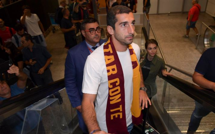 JUST IN – Henrikh Mkhitaryan has arrived in Rome