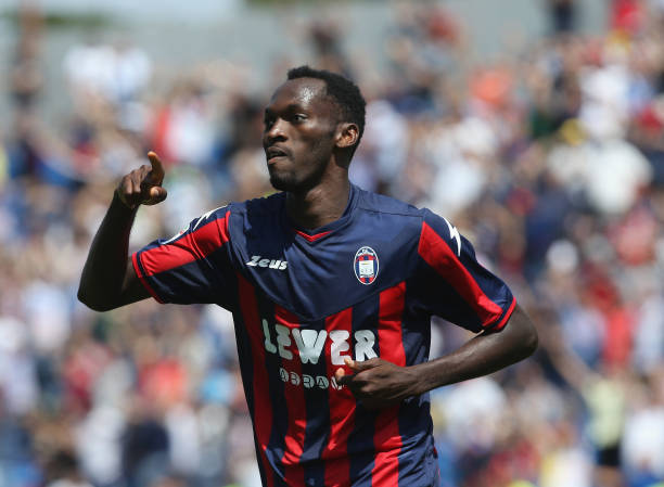 Simy Nwankwo moves Crotone close to Serie A all by himself ...
