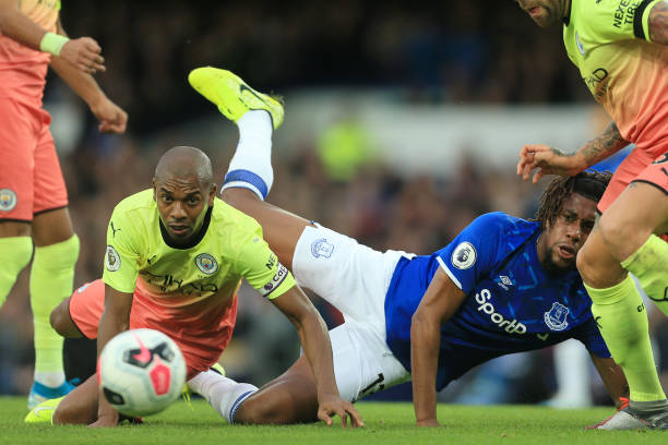 Everton Manager subs off Iwobi, whom he subbed on in the first-half