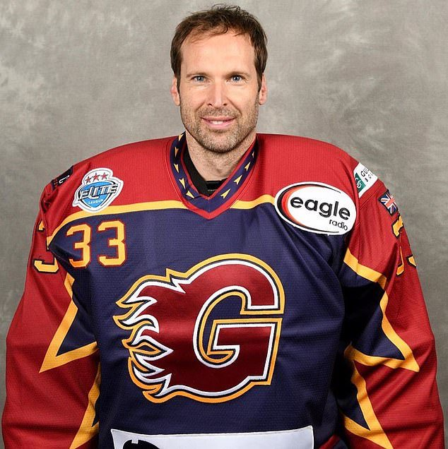 Former Chelsea goalkeeper Cech Joins Ice Hockey Team, Guildford Phoenix