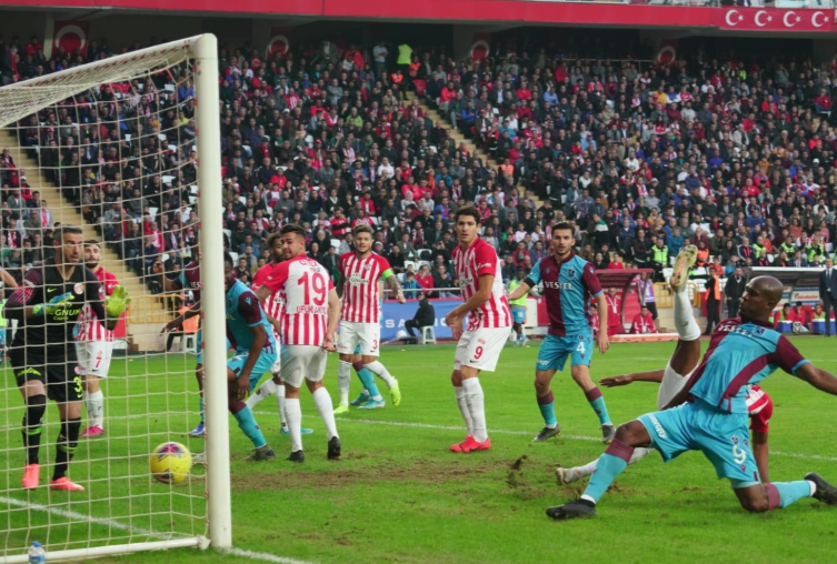 Nwakaeme scores, Onazi returns for Trabzonspor in 3-1 win over Antalyaspor