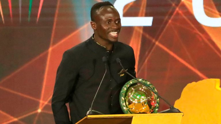 Mane reacts to his first POTY Award
