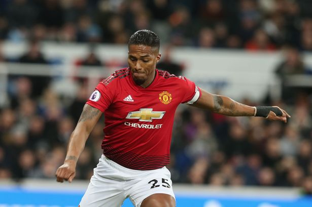 Antonio Valencia sends message to Odion Ighalo over Manchester United No.25 shirt