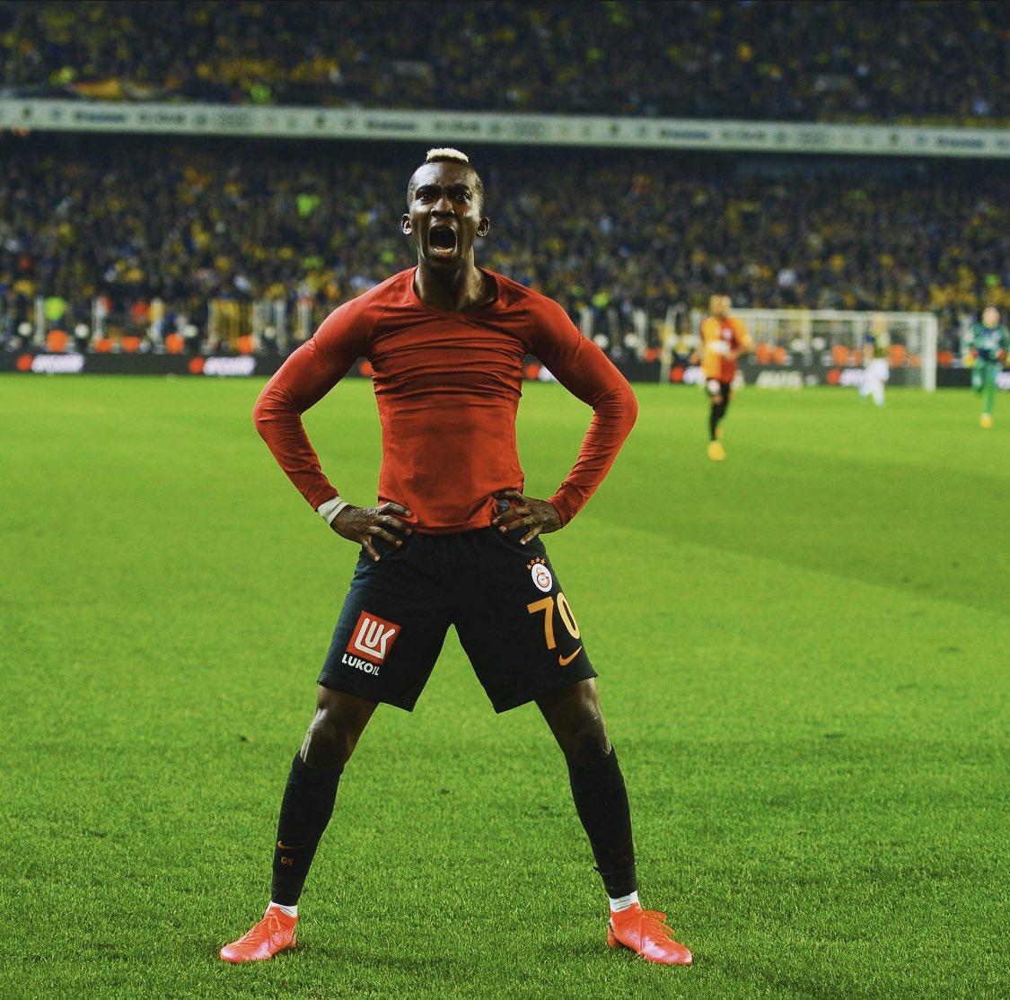 Onyekuru celebrates Galatasaray's first win away at Fenerbahce in 20 years
