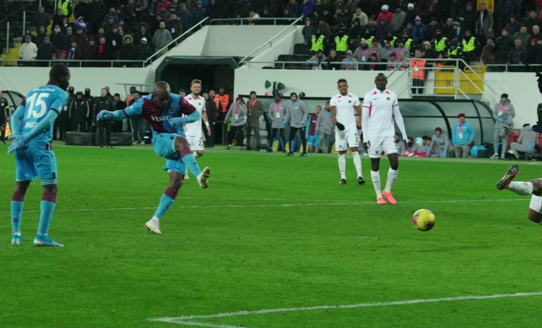 Anthony Nwakaeme scores, Mikel Bosses Midfield as Trabzonspor go Top in Turkey