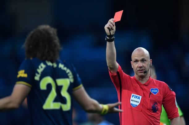 Arteta backs David Luiz despite horror show at the Etihad