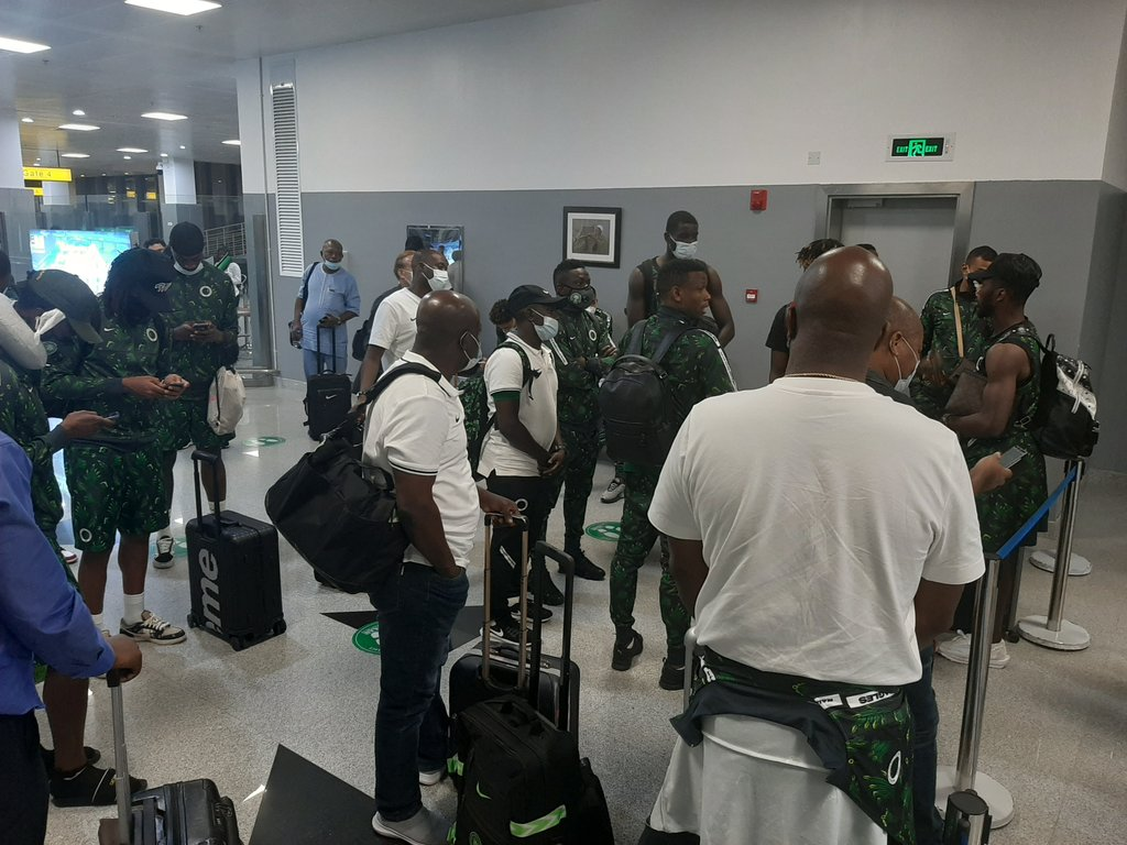 Super Eagles returns to Nigeria from Freetown